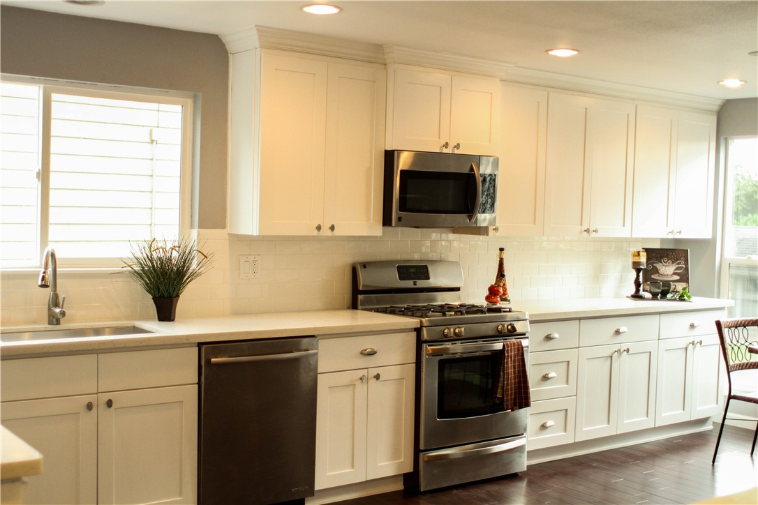 white kitchen shaker cabinets white shaker kitchen cabinets 187 alba kitchen design center 29073